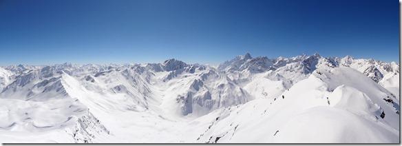 Pointe du Drône, Grand Golliat, Mont Blanc, Grandes Jorasses, Aiguilles de Leschaux, Mont Dolent, Aig d'Argentière.. -> Le Massif du Mont Blanc